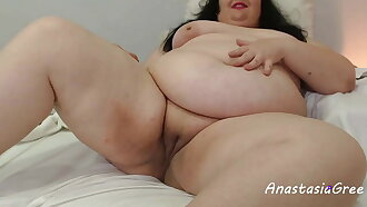 Sexy BBW totally naked online